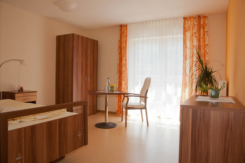pflegezimmer. Black Bedroom Furniture Sets. Home Design Ideas